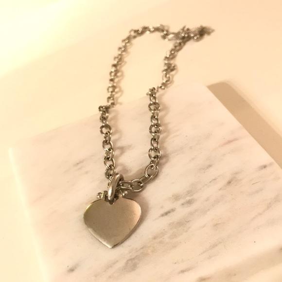 Jewelry - Heart pendant necklace